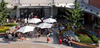 Una delle piazze di Vicolungo Outlets - Clicca per ingrandire