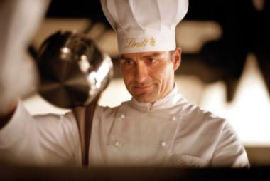 Mondovicino Outlet, corsi gratuiti di degustazione di cioccolato organizzati da Lindt Outlet i giorni18, 19 e 20 marzo 2009.