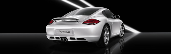 Il nuovo modello di Porsche Cayman a The Place Luxury Outlet