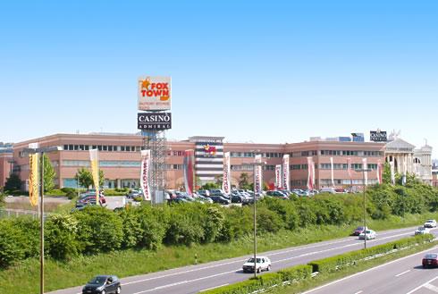 FoxTown Factory Stores: l'esterno della capitale della moda situata a Mendrisio, in Svizzera